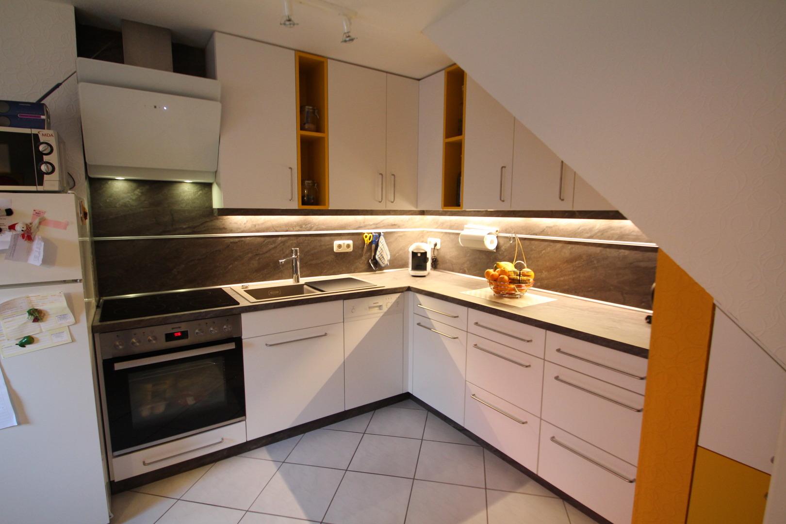Küche In Dachschräge Gallery - Milbank.us - milbank.us